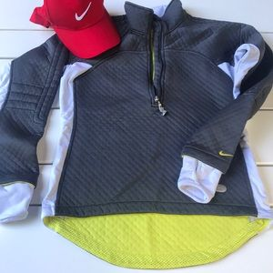 Nike sphere half zip thermal gray & yellow small